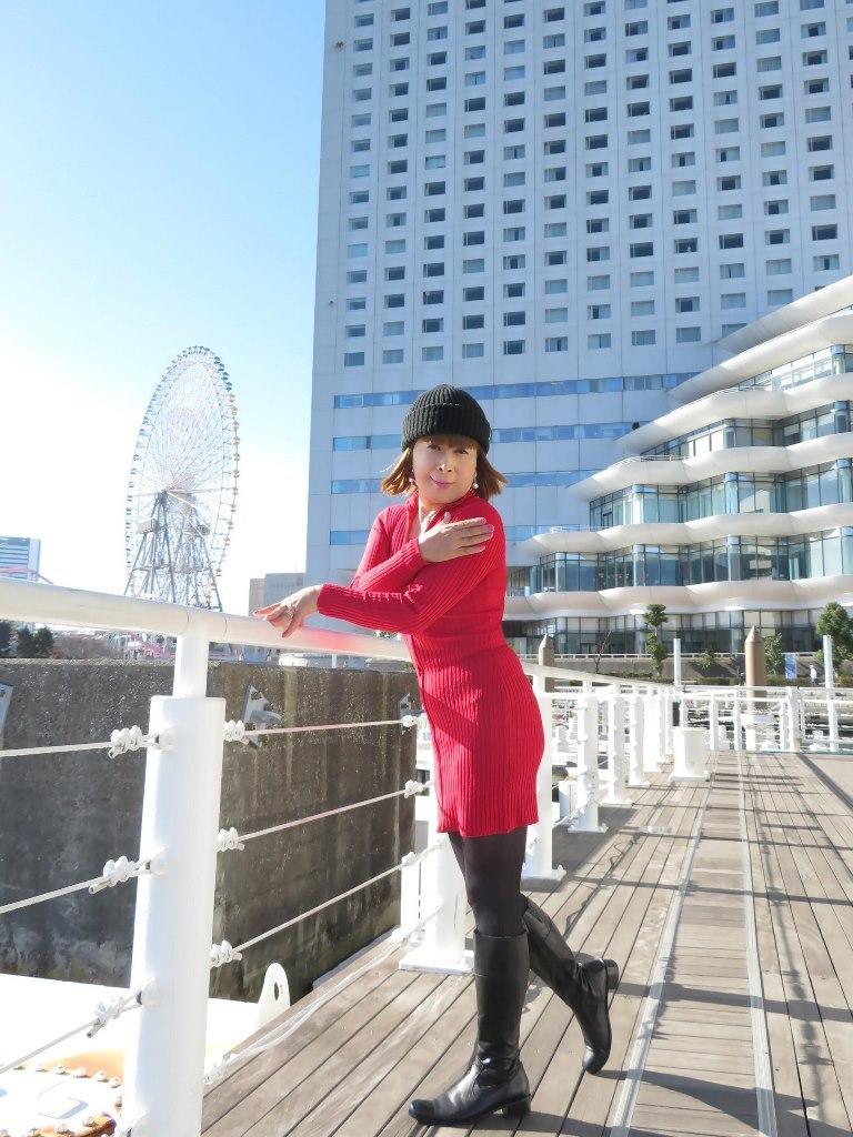 赤ニットワンピみなとみらいB(4)