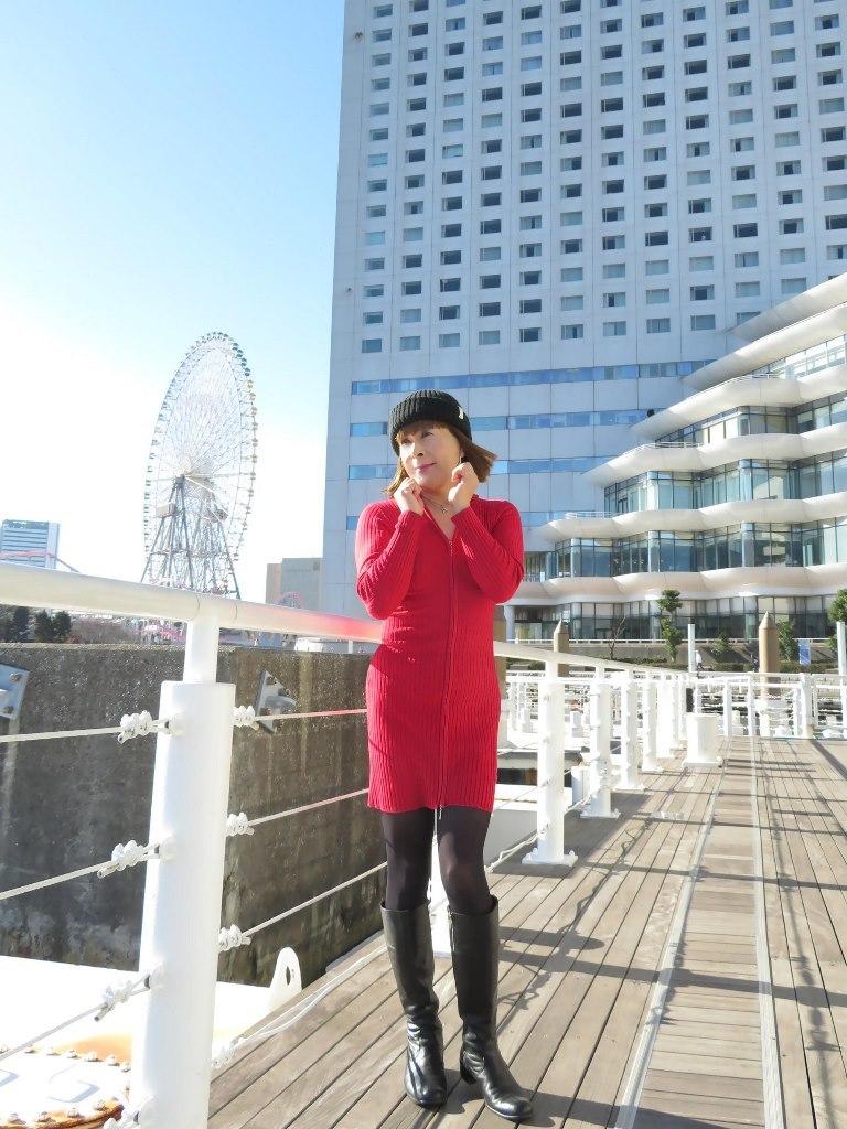 赤ニットワンピみなとみらいB(5)