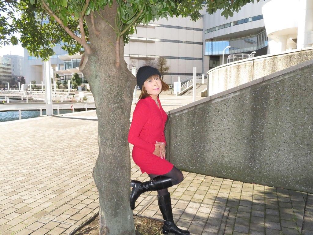 赤ニットワンピみなとみらいD(6)