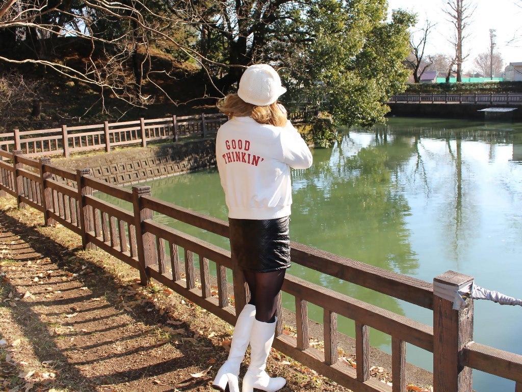白ブーツ黒レザーミニA(8)