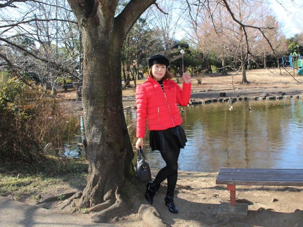 黒フレアミニ赤ダウンA(3)