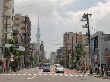 現在の泪橋交差点の画像