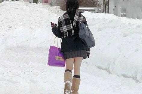 雪 ミニスカ