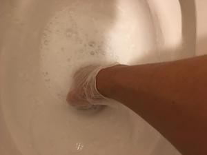 便器の水の中の掃除