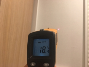 外壁沿いの壁の温度