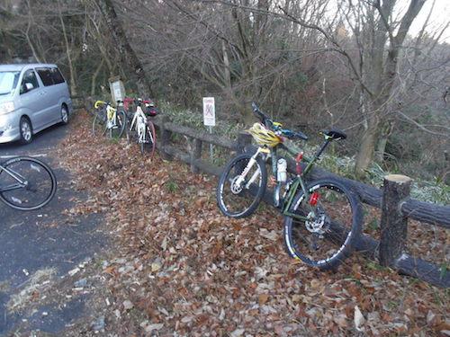 6 山頂に集まった自転車たちIMGP3041