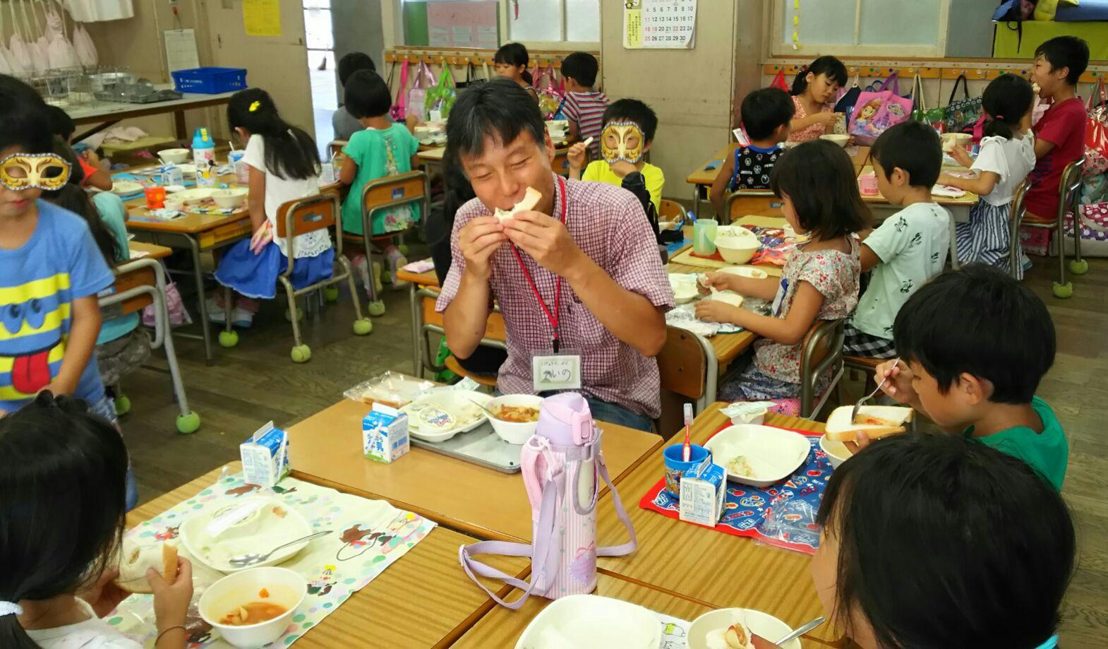 1611 東町小学校給食