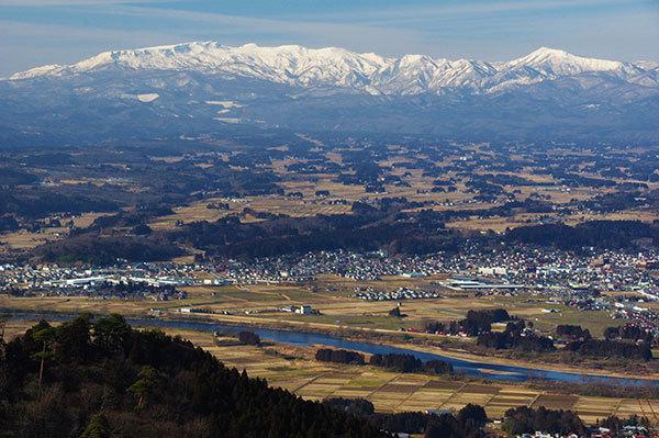 経塚山から焼石連峰