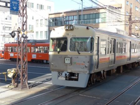 伊予鉄道 郊外電車 & 市内電車 (路面電車) 1