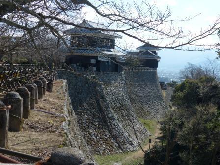 松山城 屏風折れ の石垣 2