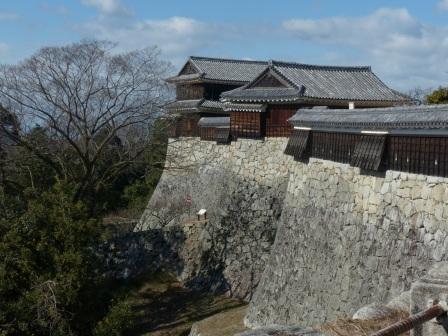 松山城 屏風折れ の石垣 1