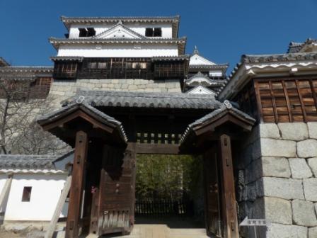松山城 紫竹門 と 小天守