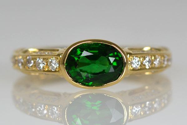 K18YG製イエローゴールドグリーンガーネットダイアモンドリング指輪