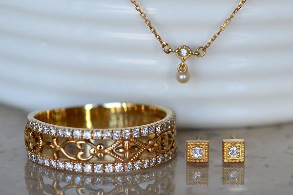 K18YG製ダイアモンドピアスリング指輪ハーフエタニティマイクロセッティングシードパールダイアモンドペンダントネックレス