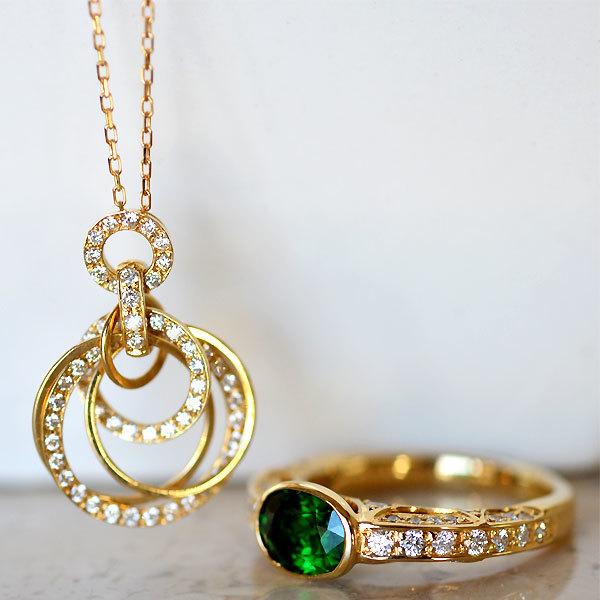 K18YG製イエローゴールドダイアモンドペンダントグリーンガーネットダイアモンドリング指輪