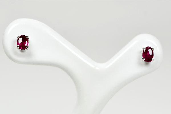 K18WG製ルビーピアスバフトップ