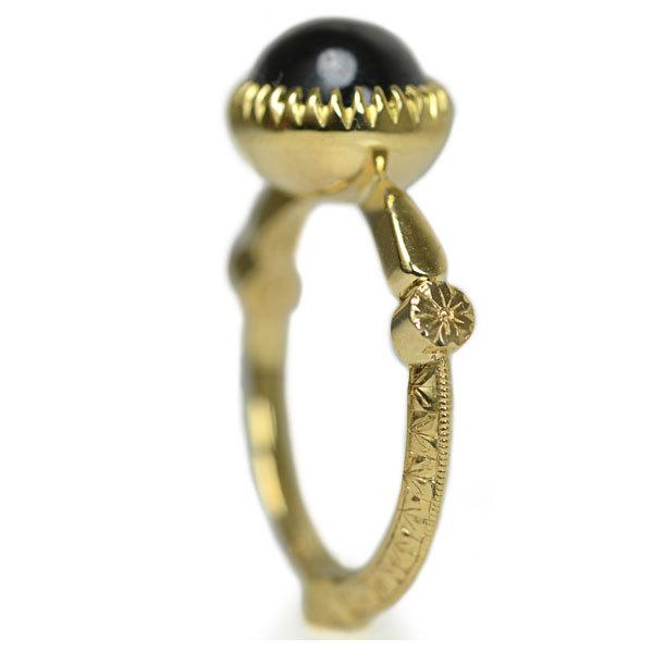 K18YG製イエローゴールドガーネット1月誕生石手作り手彫りハンドメイドハンドクラフト彫金アンティークオーダーメイドジュエリー指輪リング