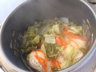炊飯器イン大根と鶏肉と白菜など