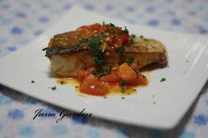 ハマチのトマトソース161129