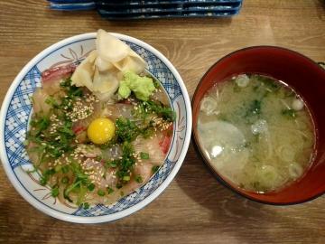 SFPダイニング 磯丸水産 カンパチの漬け丼02 201612