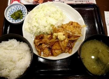 ヴィアHD 紅とん 豚ロース黒辛炒め定食01 0612 201609