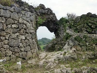 玉城城_一の郭城門
