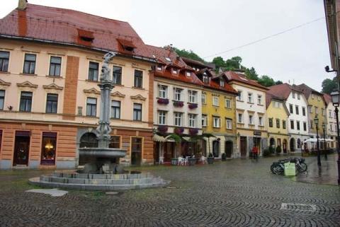 スロヴェニア旧市街の建物1