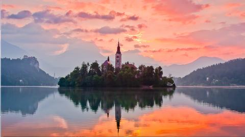 スロヴェニア ブレッド島&ブレッド湖の絶景