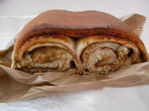 スロヴェニアのパン屋さんのパン
