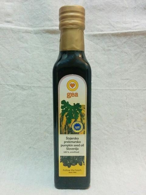 スロヴェニア製パンプキンシードオイル1