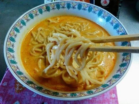 シンガポール製インスタント ラクサ麺5