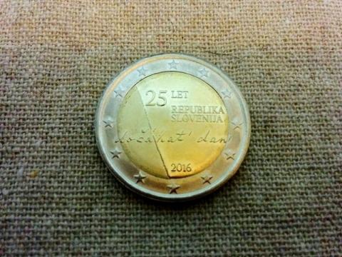 スロヴェニア建国25周年記念2€コイン3