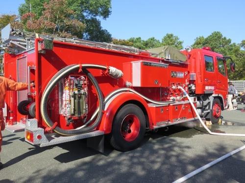 うなぎまつり 消防放水車
