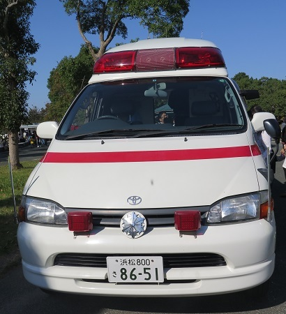 うなぎまつり 救急車展示
