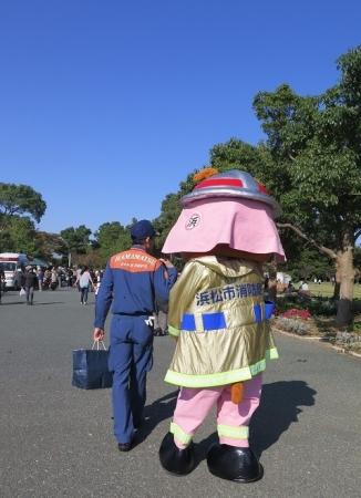 うなぎまつり 浜松市消防ブルーナちゃん