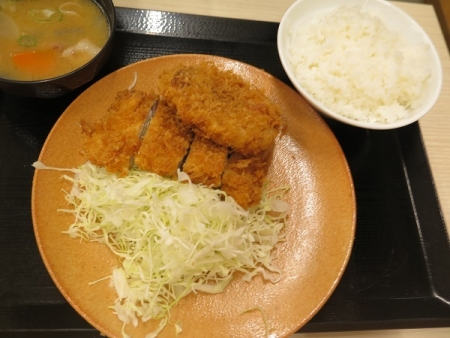 ロース・メンチカツ定食