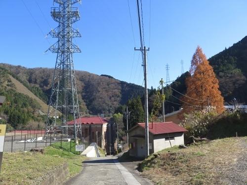 道の駅『星のふる里・ふじはし』より発電所