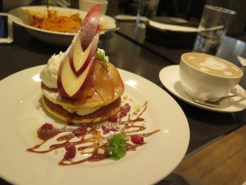 りんごとクリームチーズのパンケーキ ~トリュフの香り~