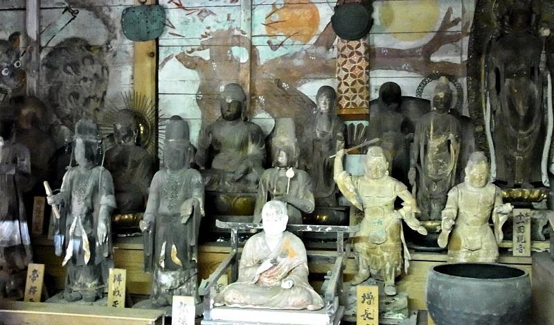 山添村、薬音寺・古仏像群