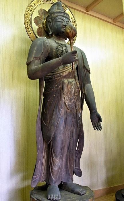 青目寺・聖観音像