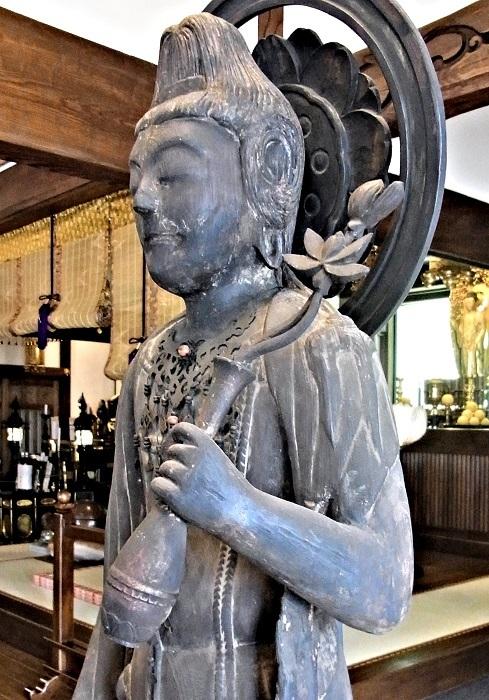 宝塔寺・聖観音像