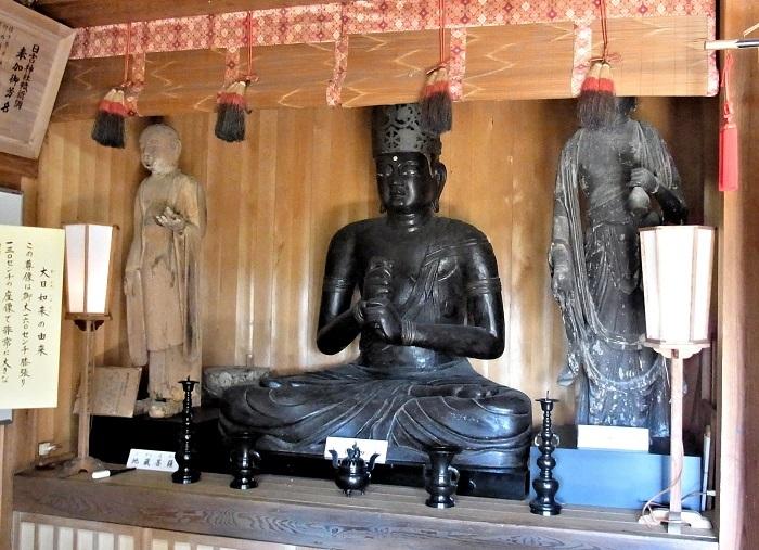 日吉神社に祀られる大日如来像他諸仏