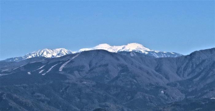白山連峰を望む