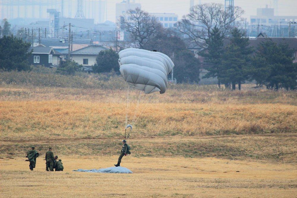 習志野空挺団降下始め 115