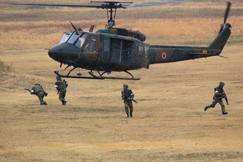 習志野空挺団降下始め 289