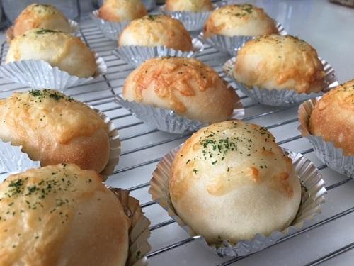 たっぷりチーズのパン