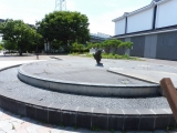 JR佐久平駅 満月の池