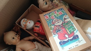 161231サンタとトナカイはおもちゃ箱へ