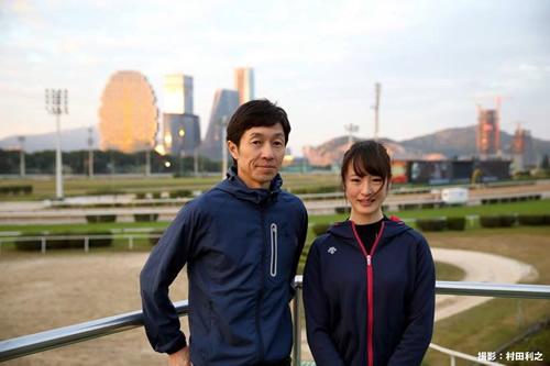【画像】海外旅行してる武豊さんと藤田菜七子ちゃんの2ショット写真