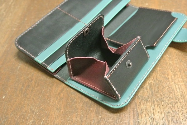 wallet1abktowi5.jpg